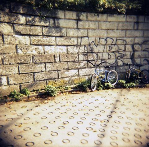 2006_11_16_holga_011_02