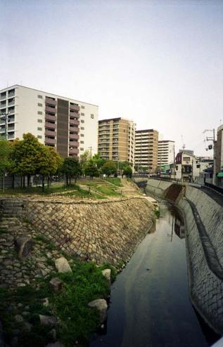 2007_04_16_ricoh_r1_027_33